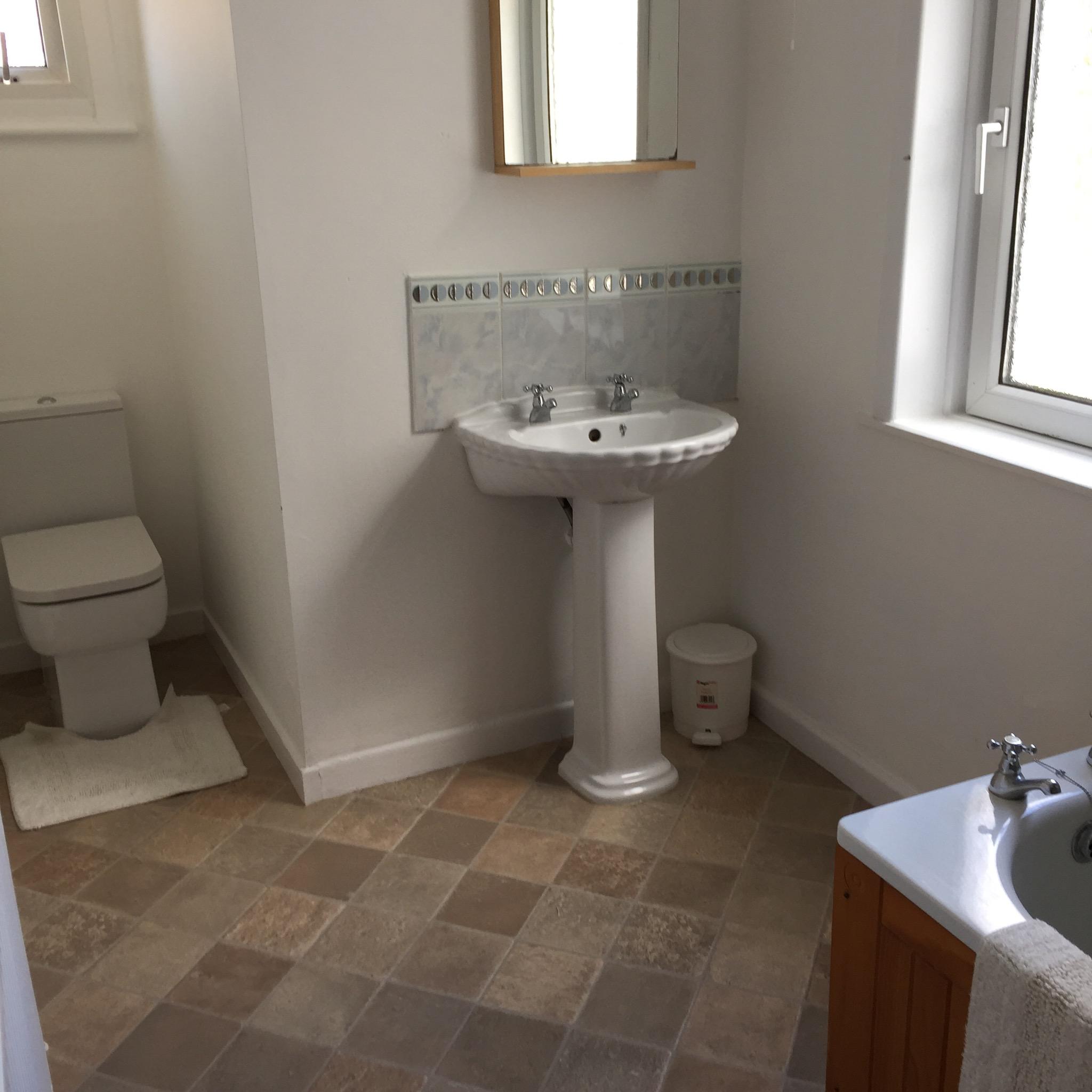 17 Havelock St U2013 Bathroom/shower Room/2 Toilets